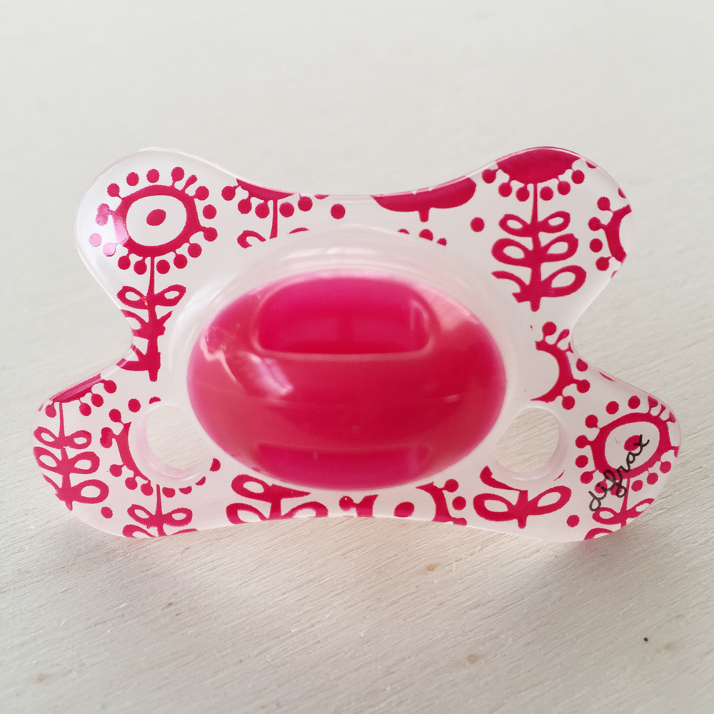 difrax-pacifier-red-flowers
